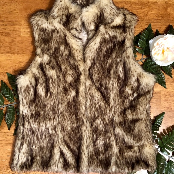 Cherokee Other - Girls Adorable Faux Fur Vest